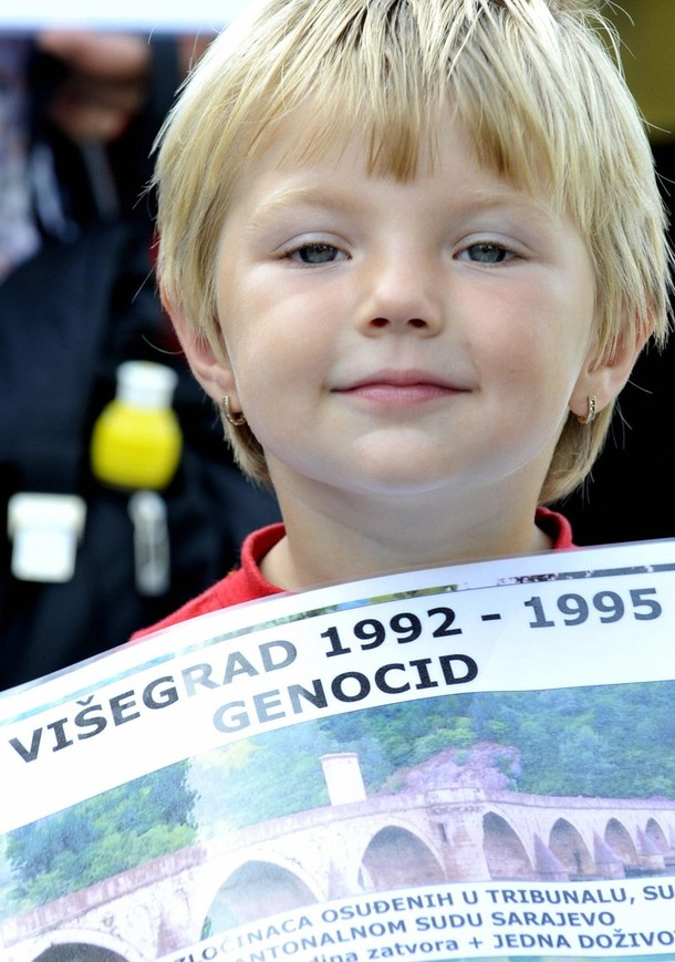 Žrtve Zločina Neće Svjedočiti Protiv Karadžića u Slučaju Daljnjeg Skraćivanja Optužnice