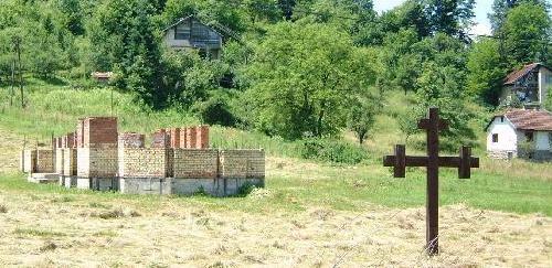 Srpski Krstovi po Srebrenici