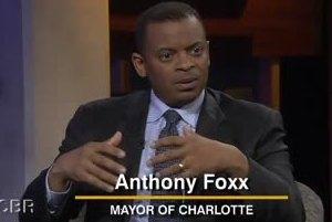 Gradonačelnik grada Charlotte Anthony Foxx odao priznanje žrtvama genocida u Srebrenici